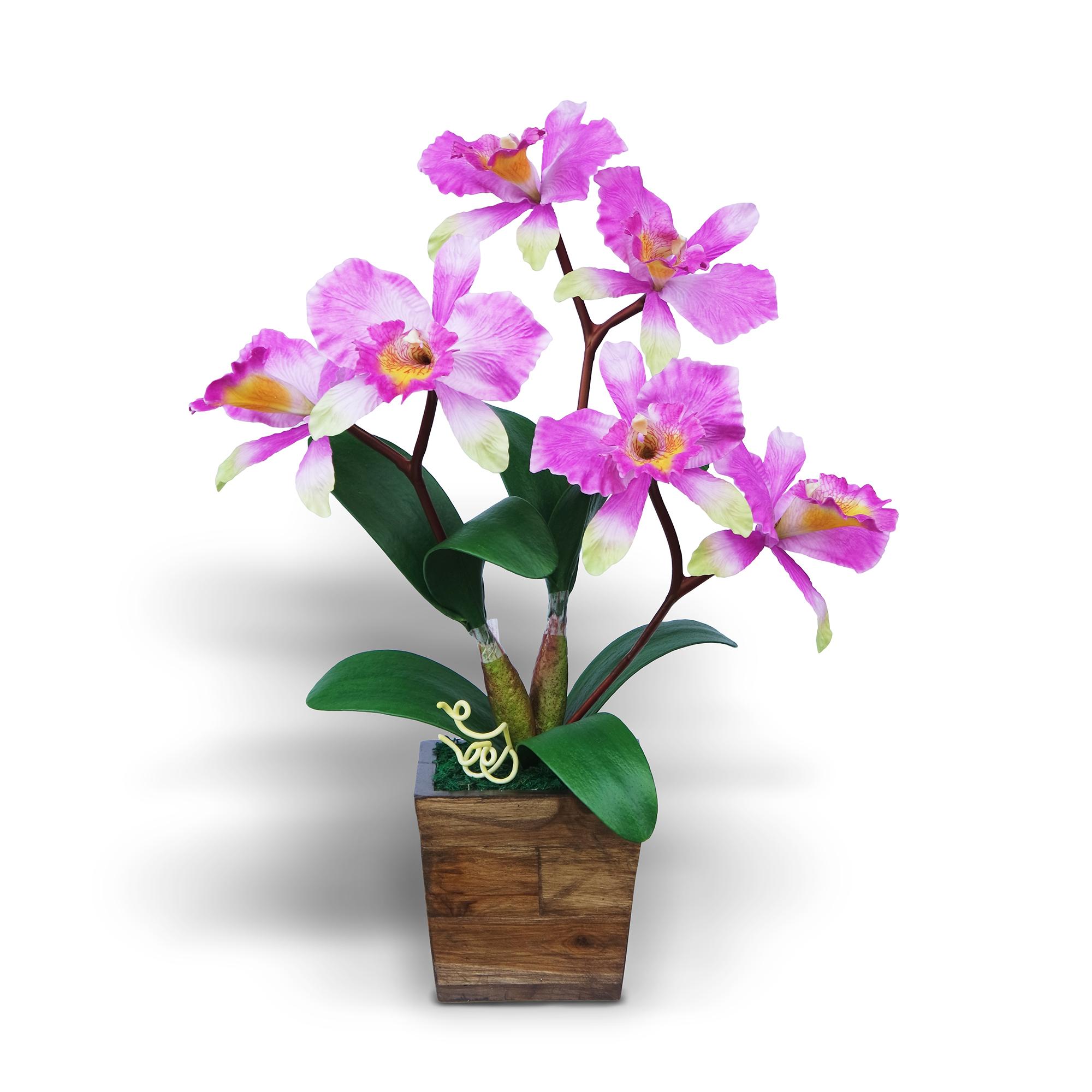 แจกันดอกไม้ประดิษฐ์ แคทลียา Cattleya สีชมพู ในแจกันไม้จริงสีโอ๊ค