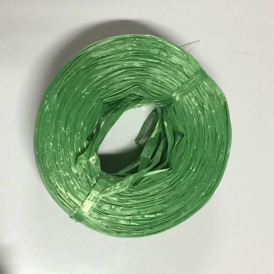 เชือกฟางคุณภาพดีราคาถูก ม้วนละ1กก. สีเขียว